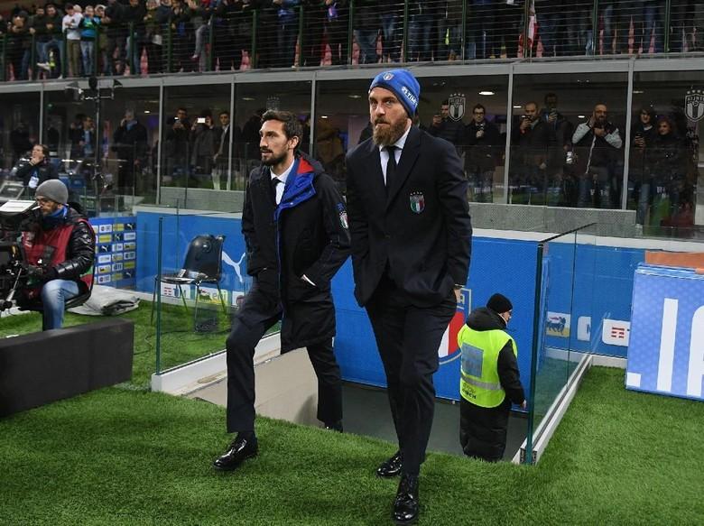 De Rossi ke Asisten Pelatih Italia : Jangan Saya, Insigne Saja yang Main