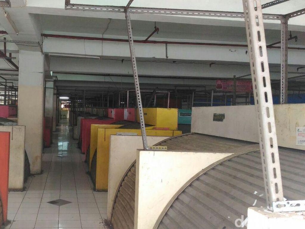 Jualan di Trotoar, Pedagang Tanah Abang Alihkan Toko Jadi Gudang