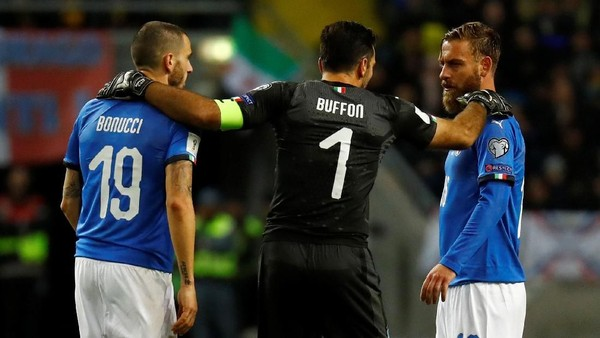 De Rossi Sesali Keputusan Italia Tak Mainkan Ekstra Striker