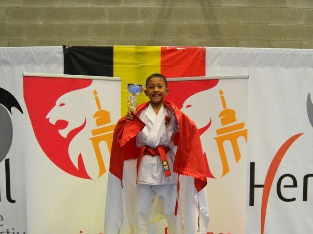 Karateka Cilik Ini Sukses Raih Emas di Belgia
