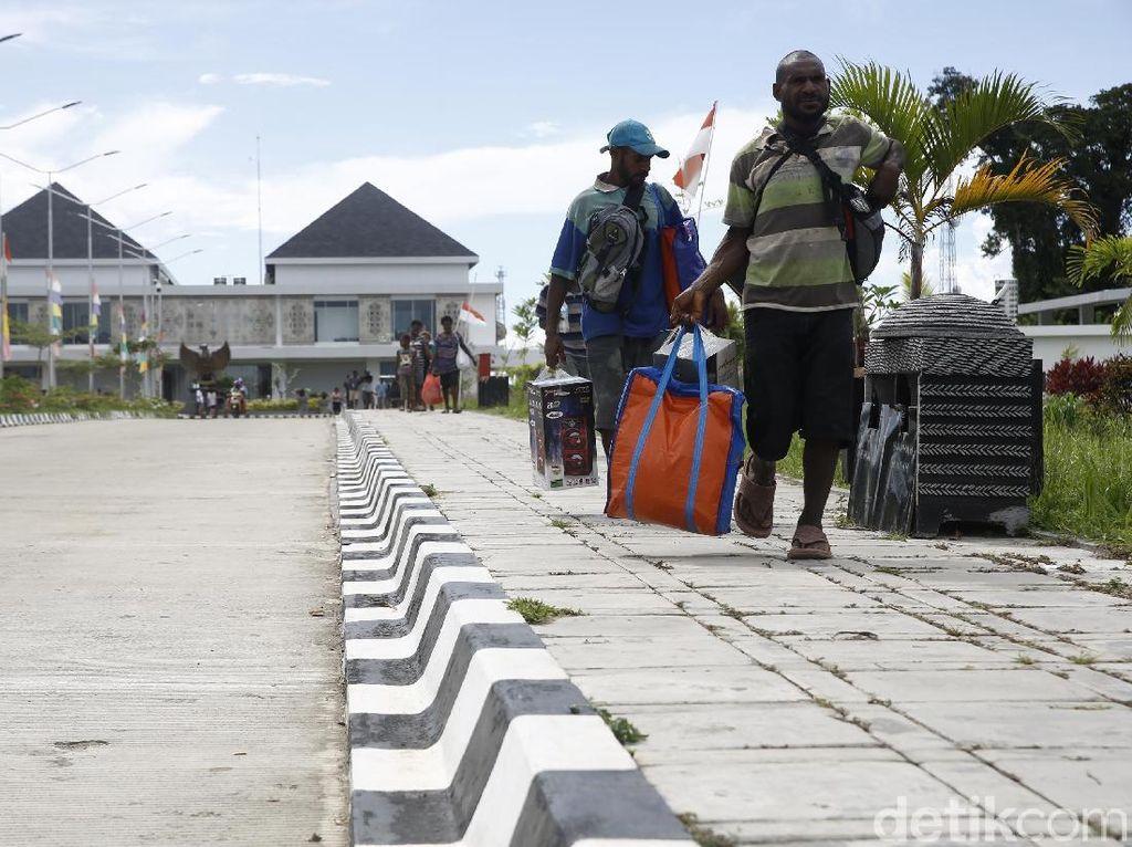 Kata Warga Perbatasan RI-Papua Nugini soal Dolar AS Rp 15.200
