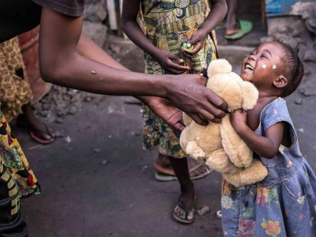 Foto: Aksi Para Bocah Rayakan Hari Kebaikan Sedunia