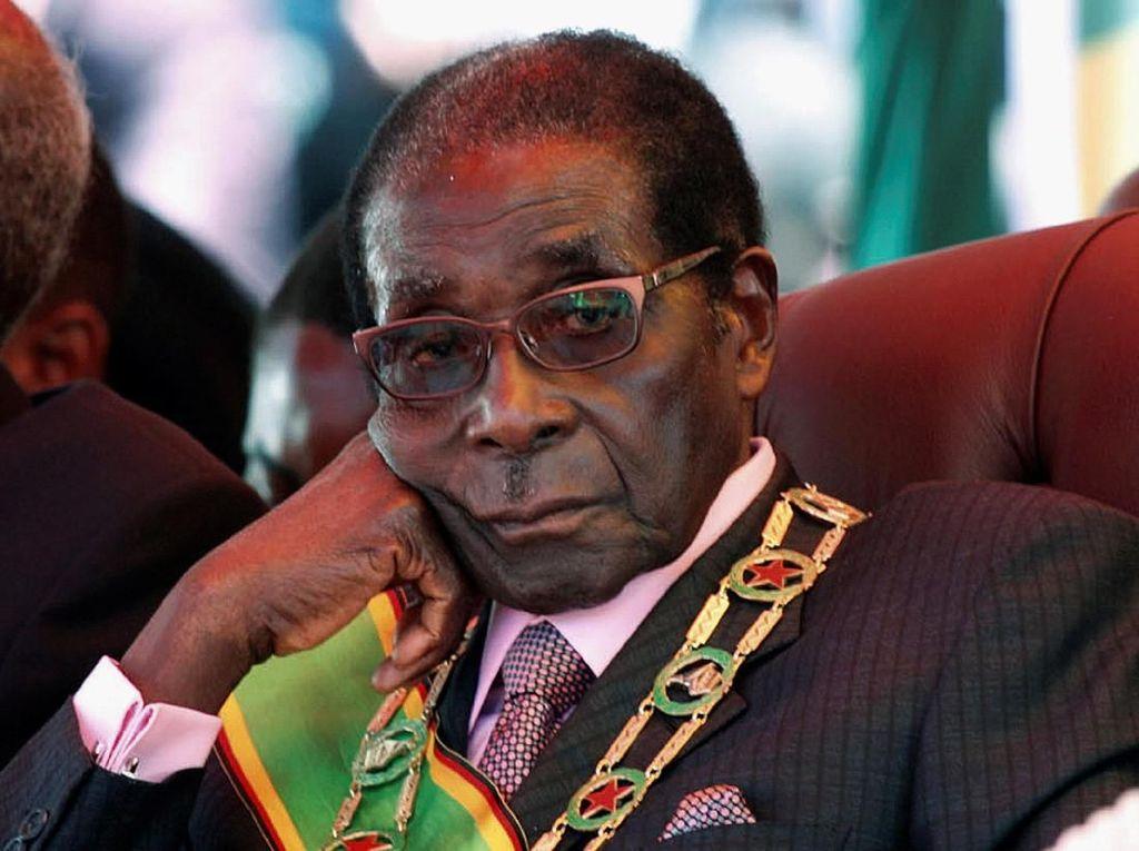 Bersikeras Tak Mau Mundur, Presiden Zimbabwe Akan Dimakzulkan