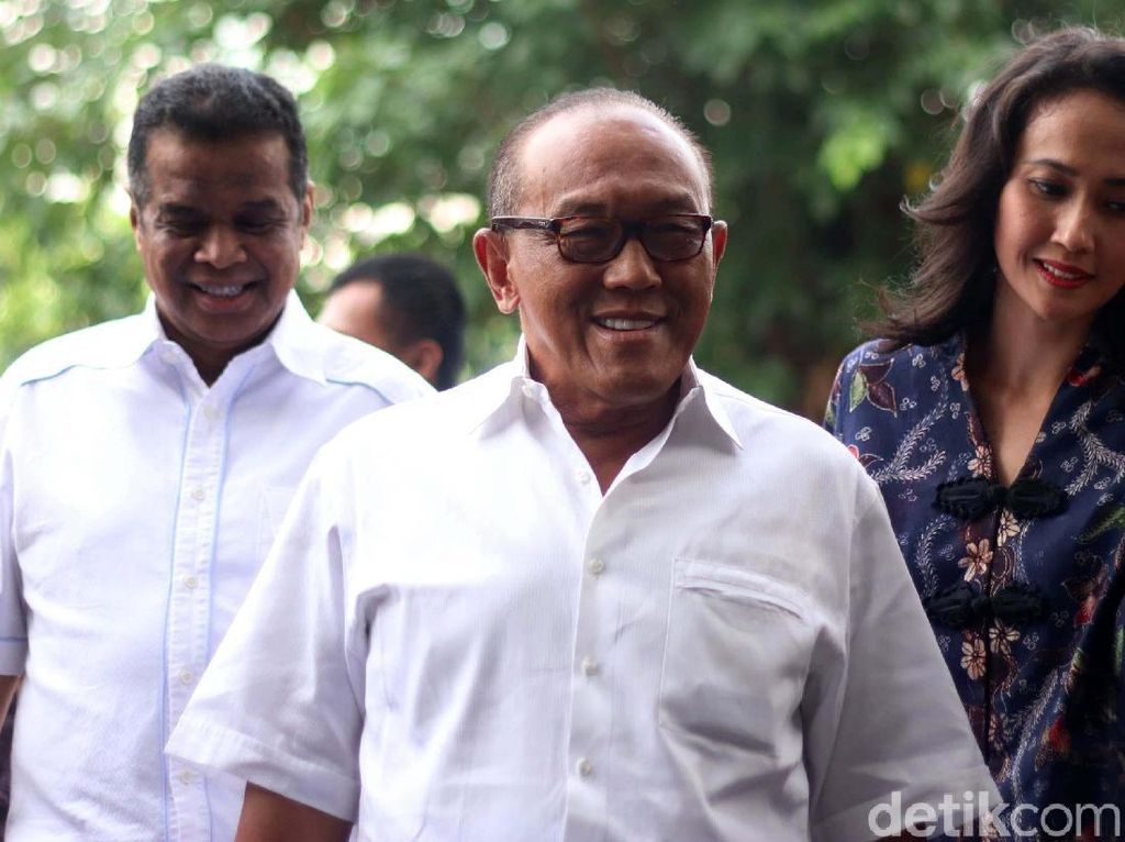 Foto: Novanto Hilang, Ical Datangi KPK