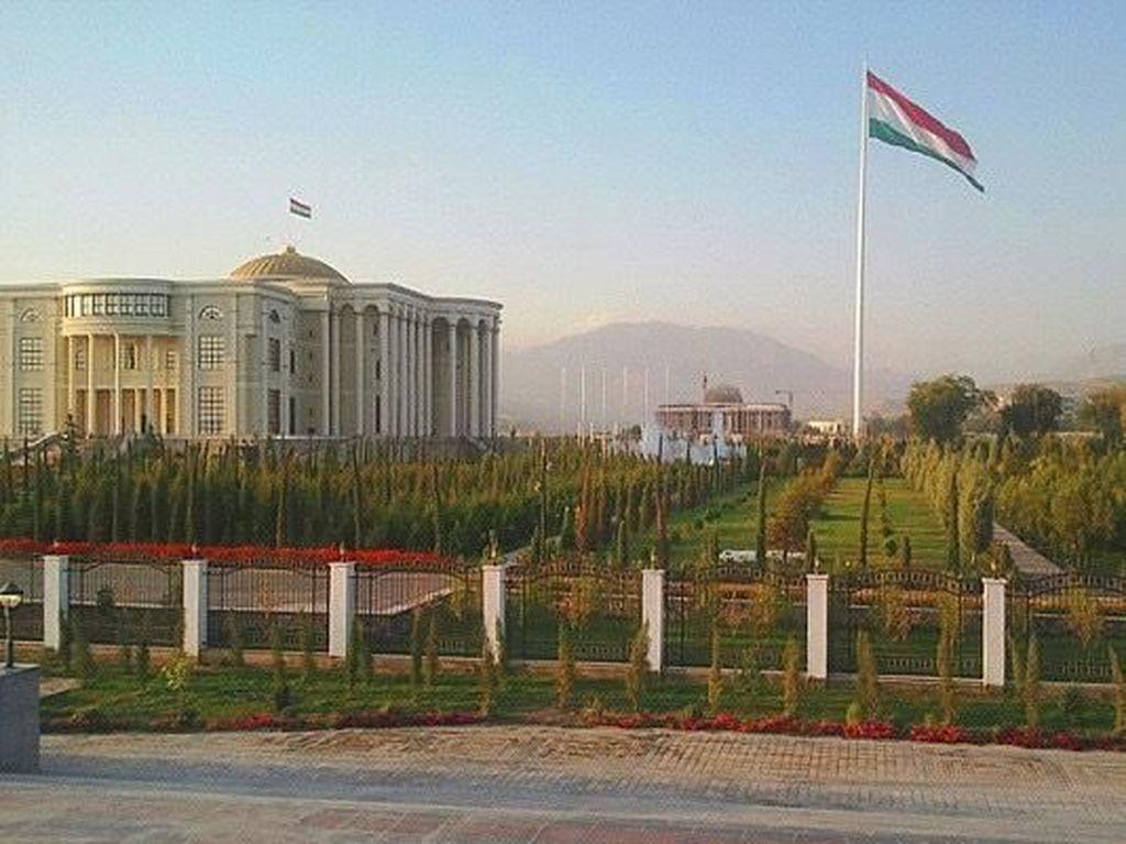 Belum Ada Kasus Corona, Presiden Tajikistan Imbau Muslim Tidak Puasa