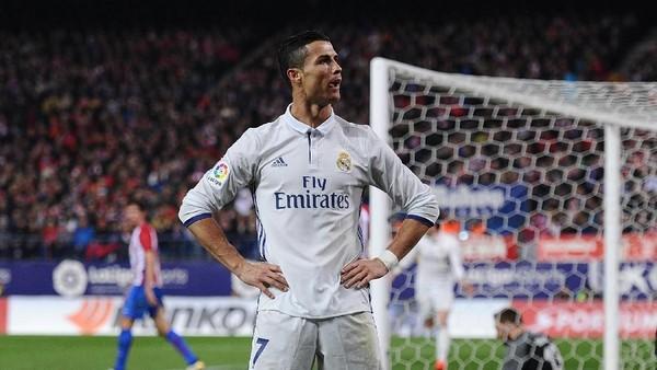 Momen Cristiano Ronaldo Raih Ballon dOr 2017