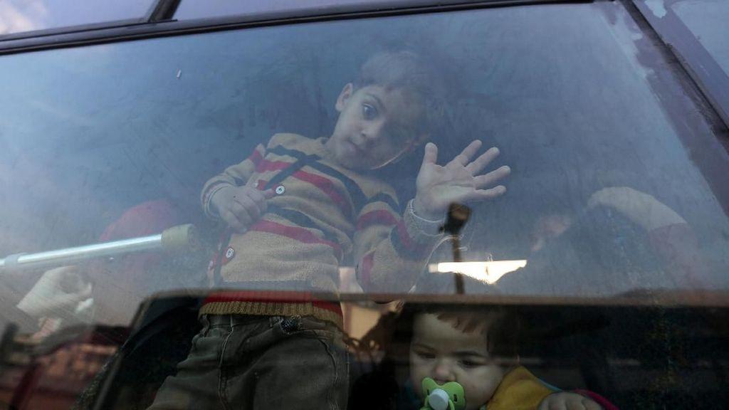 Foto: Akhirnya Warga Palestina Bisa Menyeberang ke Mesir