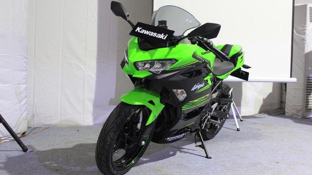 Kawasaki Ninja 250 Baru, Pesaing Honda CBR250RR