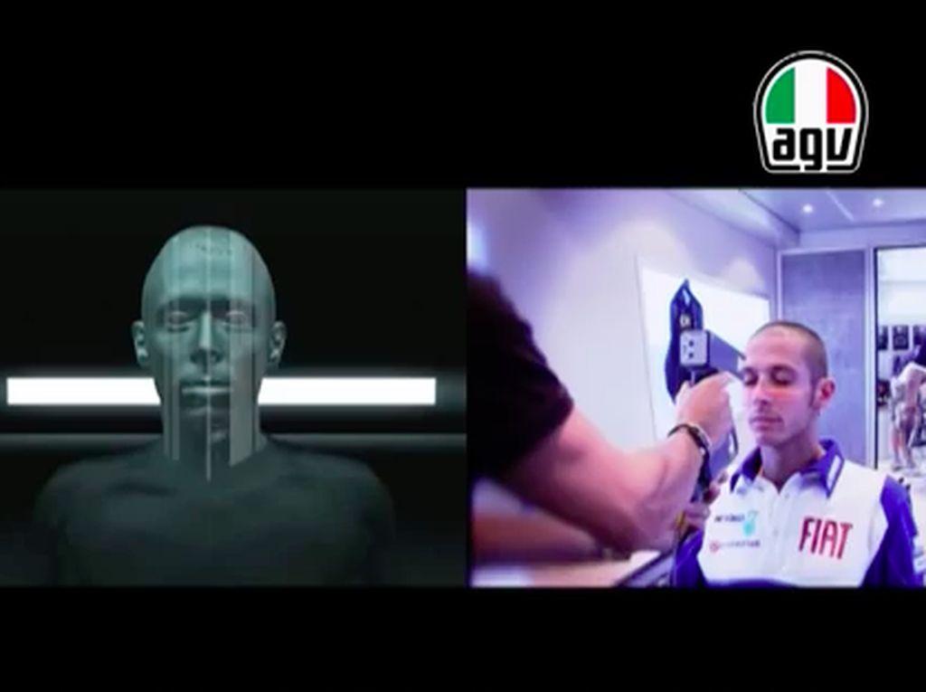 Mengintip Cara Pembuatan Helm Valentino Rossi