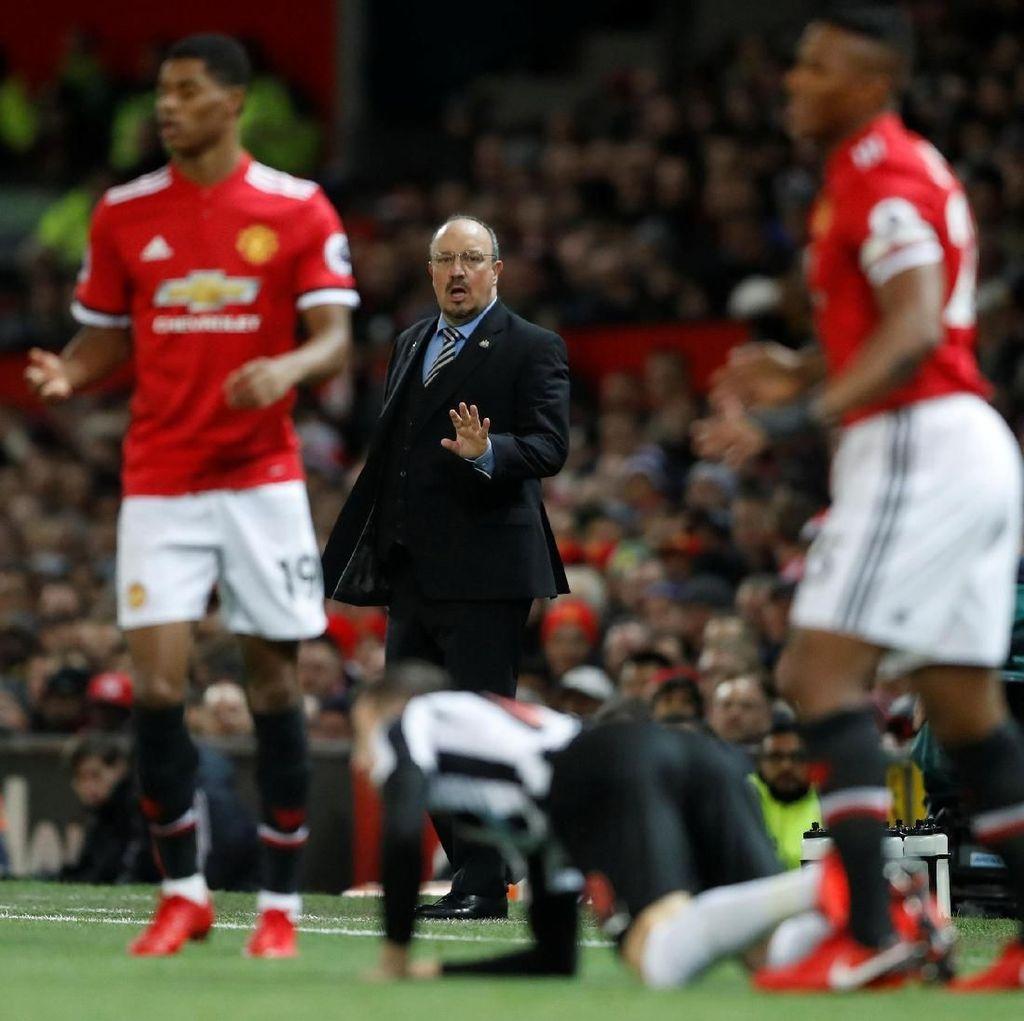 Newcastle Dikalahkan MU, Benitez: Beda Aktivitas Belanja