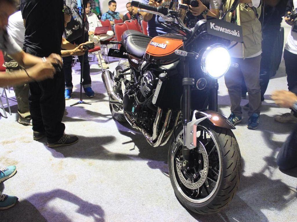 Motor Legendaris Kawasaki Z 900RS Mengaspal di Indonesia
