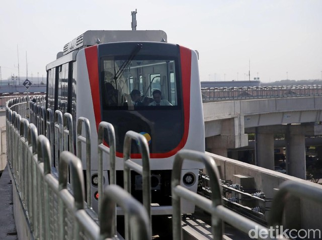 Foto: Skytrain Bandara Soekarno-Hatta Mulai Layani Semua Terminal