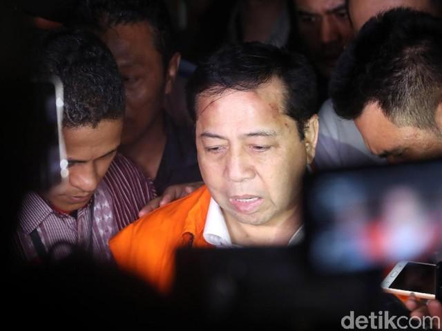 Foto-foto Setya Novanto Ditahan KPK