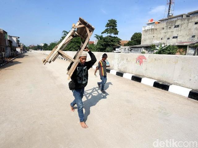 Bantaran Ciliwung, Dulu Deretan Rumah Kumuh Kini Jalan Inspeksi