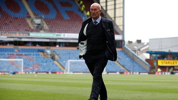 Middlesbrough cari pengganti Tony Pulis.