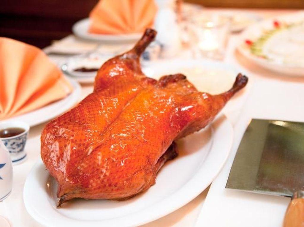 Rahasia Pembuatan Beijing Roasted Duck Diungkap Chef Yuan Chaoying dari Beijing