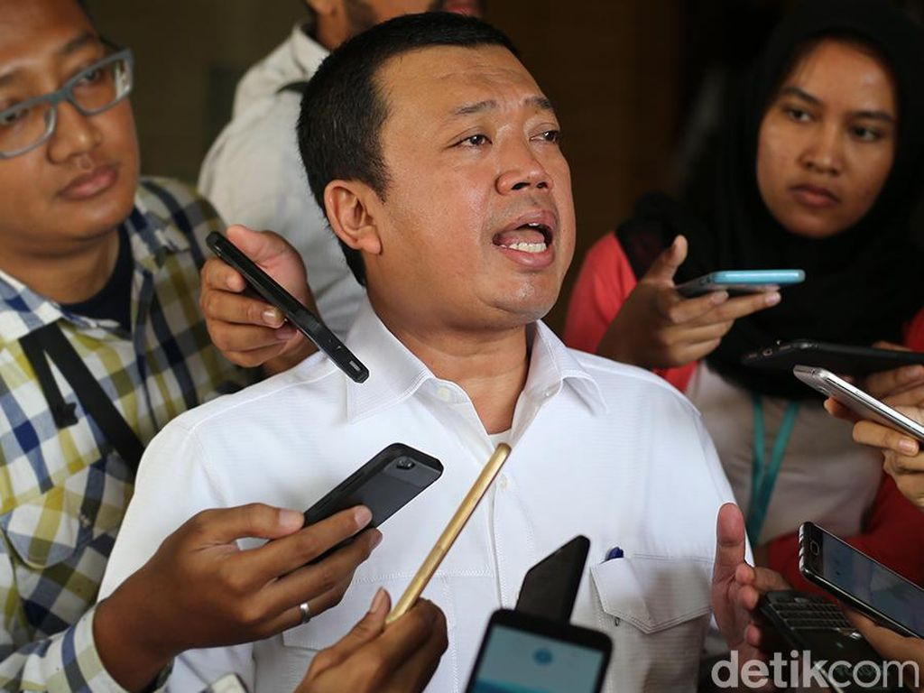 Airlangga Berpotensi Rangkap Jabatan, Nusron: Itu Tergantung Jokowi