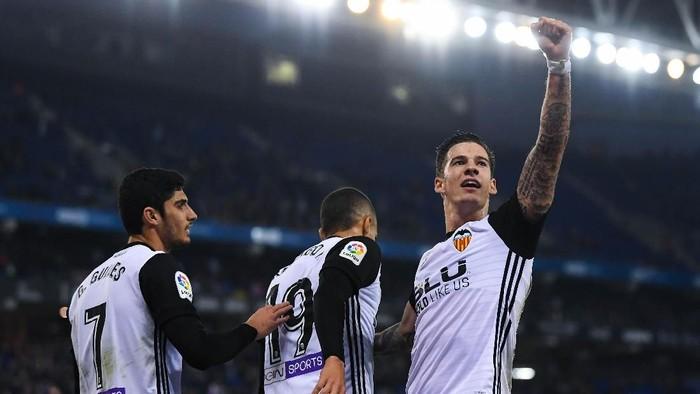 Valencia jadi penantang Barcelona di papan atas klasemen (David Ramos/Getty Images)