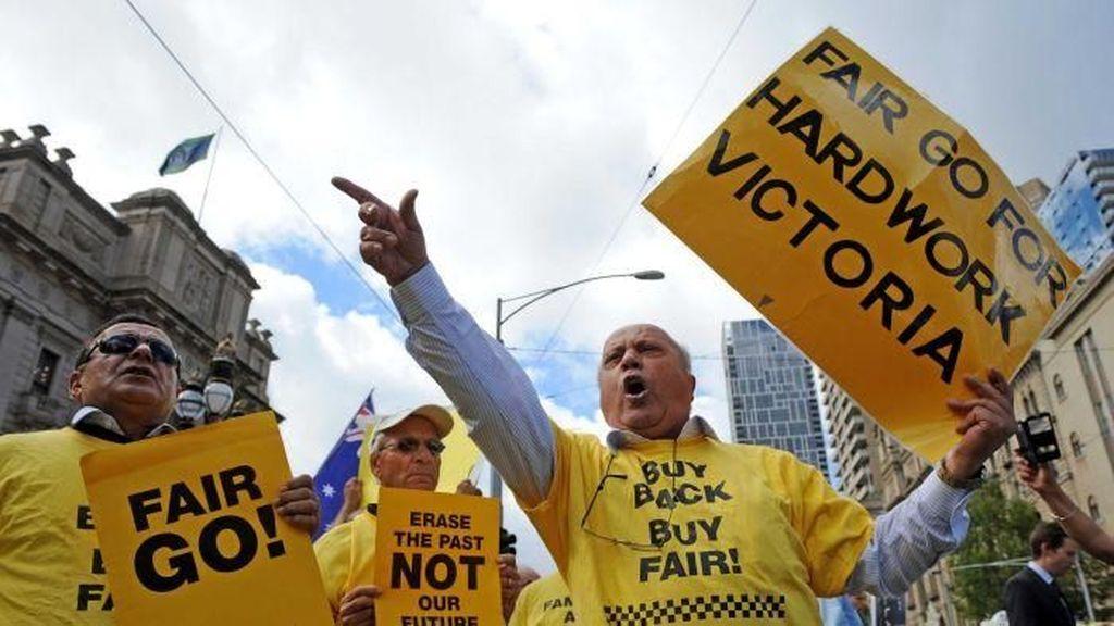 Pengemudi Taksi Melbourne Akan Lakukan Class Action terhadap Uber