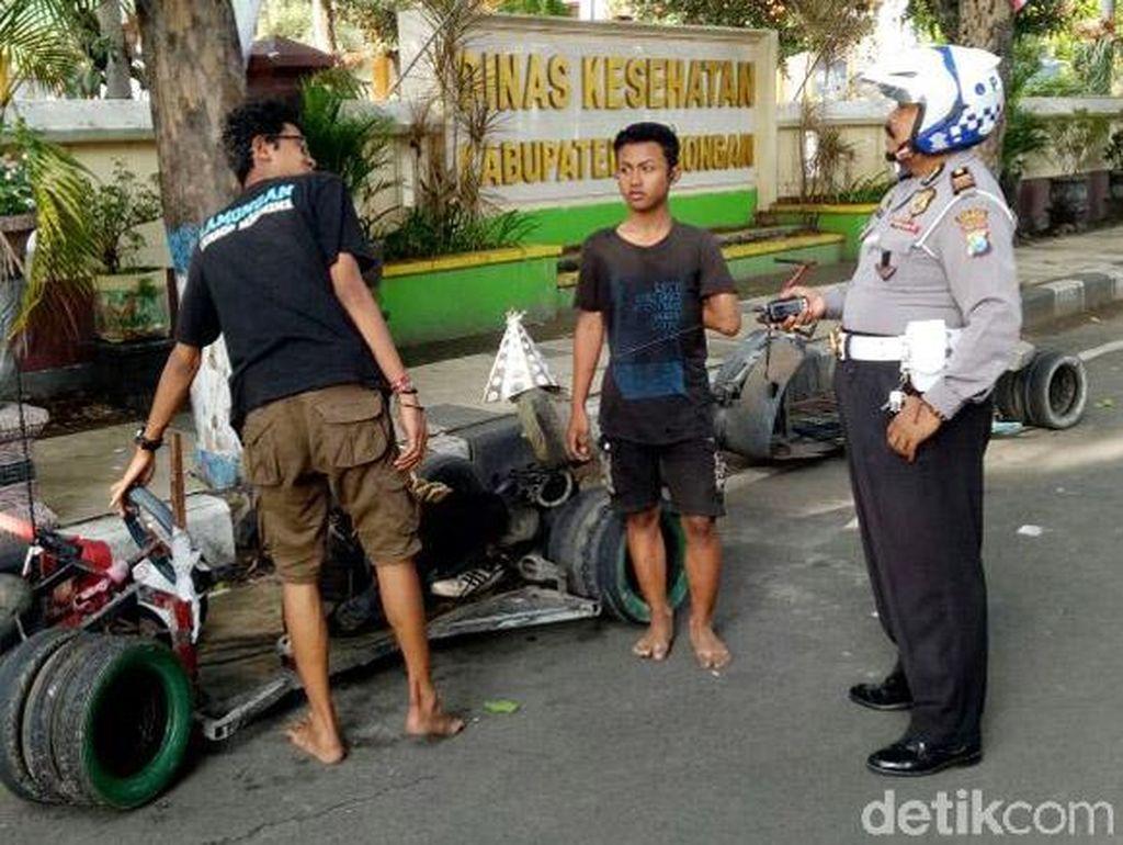 Vespa Gembel Diciduk Polisi