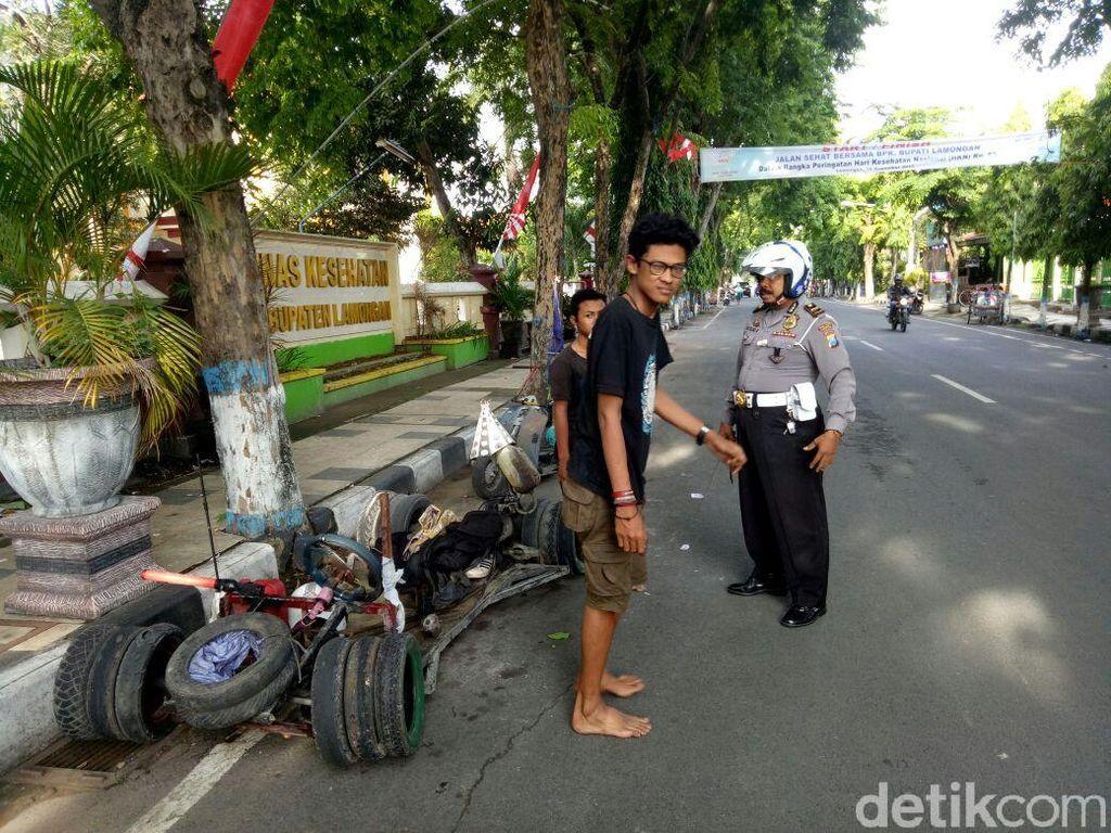 Modif Terlalu Ekstrem, Vespa Gembel Ditilang Polisi