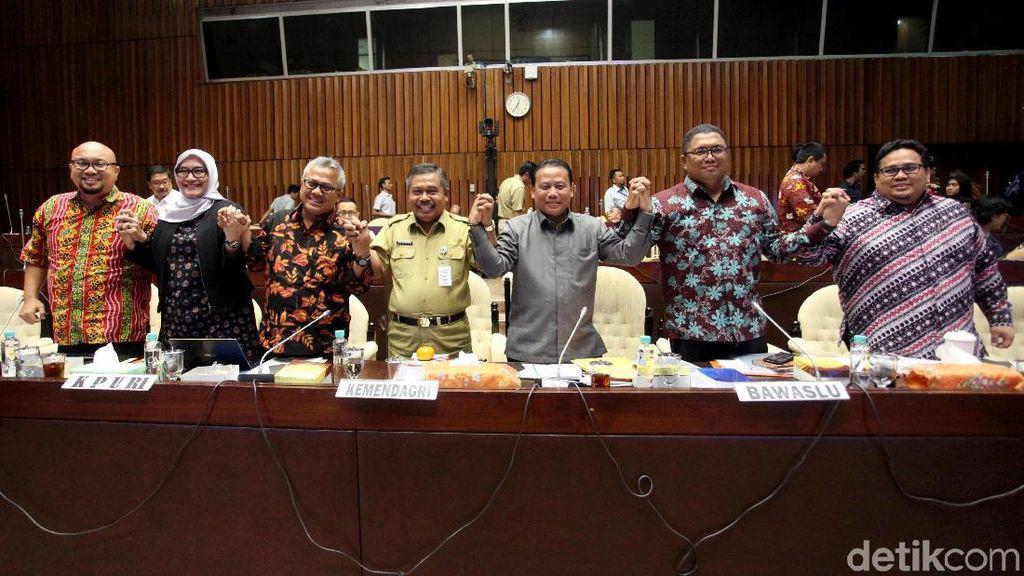 DPR Bersama Kemendagri-KPU-Bawaslu Bahas Revisi PKPU