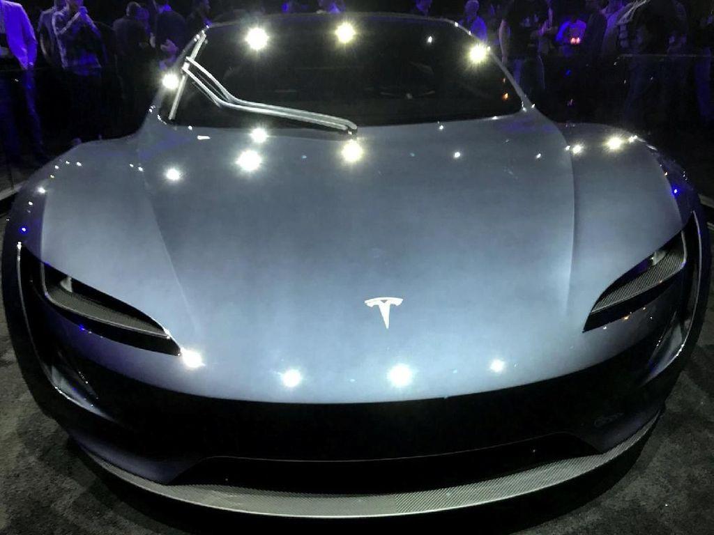 Tiga Pabrikan Mobil Jerman Dikritik, Masa Kalah Sama Tesla