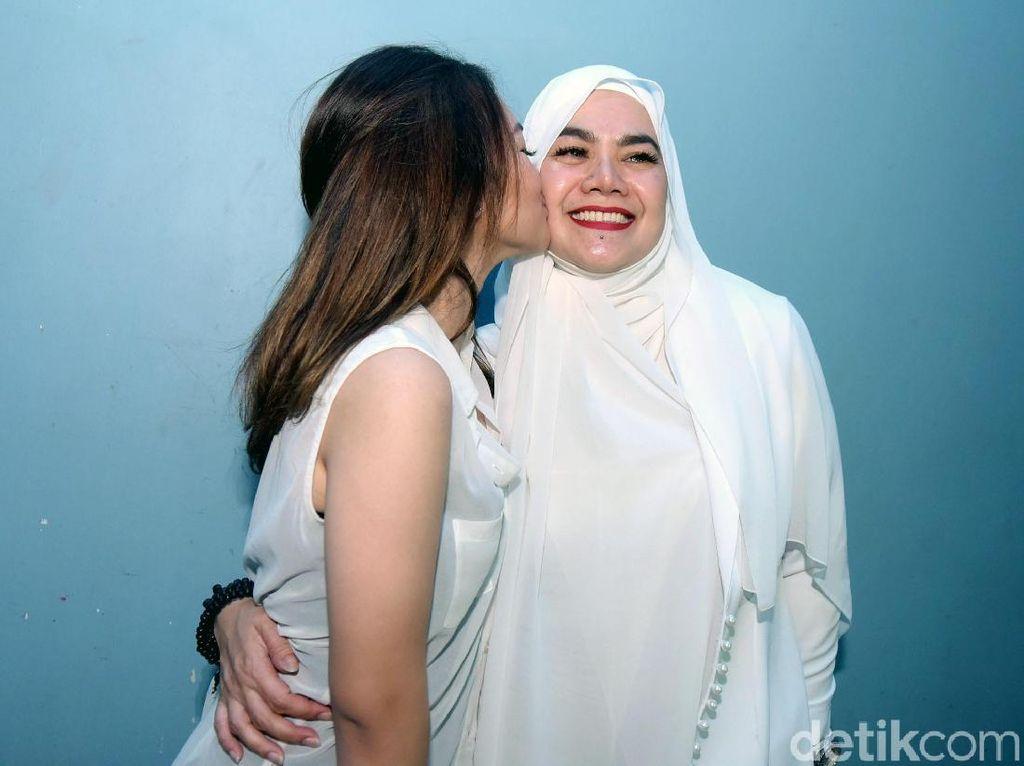Shafa Haris Sebut Sarita Tak Pernah Menangis di Depan Anak-anaknya
