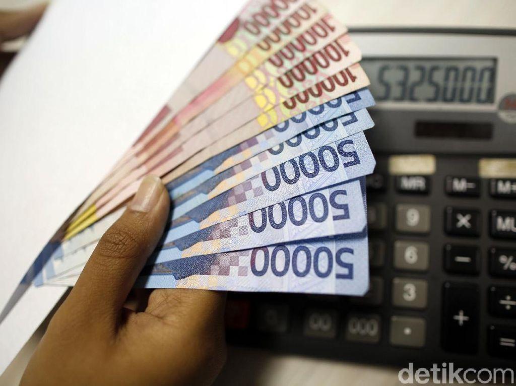 Yang Perlu PNS Tahu Sebelum Pakai Gaji ke-13 untuk Investasi