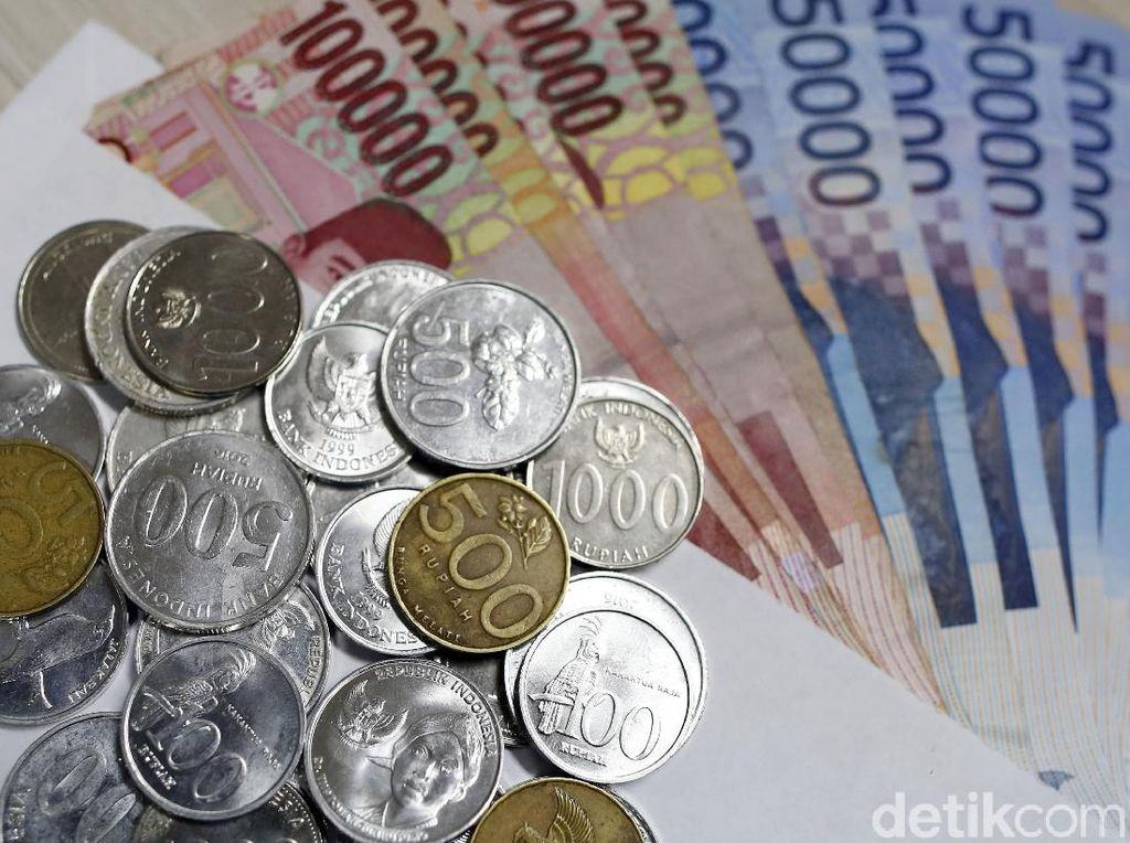 Digempur Transaksi Digital, Uang Kertas dan Logam Masih Eksis