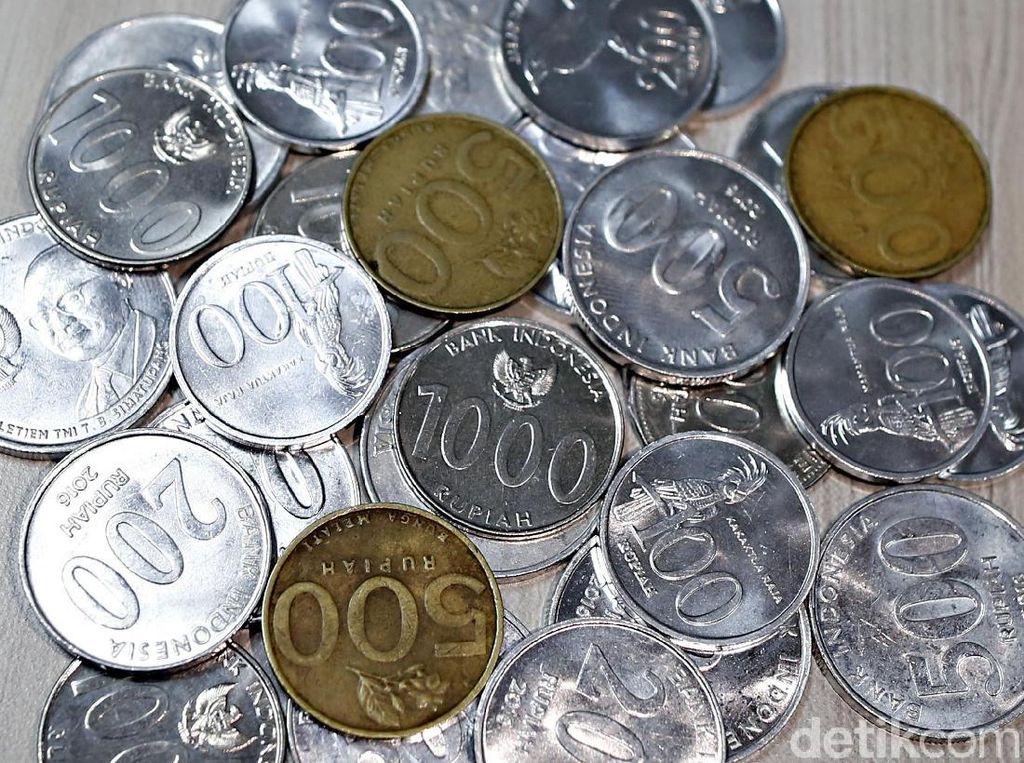 Masyarakat RI Masih Nyaman Belanja Pakai Uang Tunai