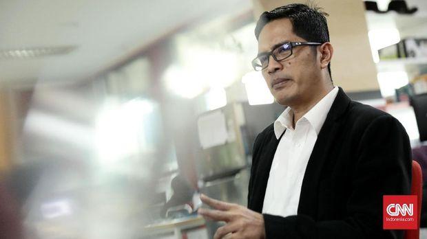 Juru bicara Komisi Pemberantasan Korupsi (KPK), Febri Diansyah saat berkunjung ke kantor CNNIndonesia.com di Jakarta, Rabu, 22 November 2017. CNN Indonesia/Bisma Septalisma