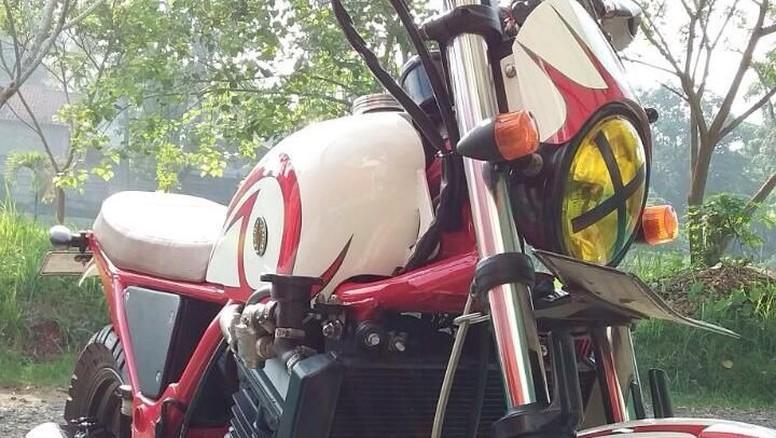Kawasaki Ninja 250 Bergaya Flat Scrambler