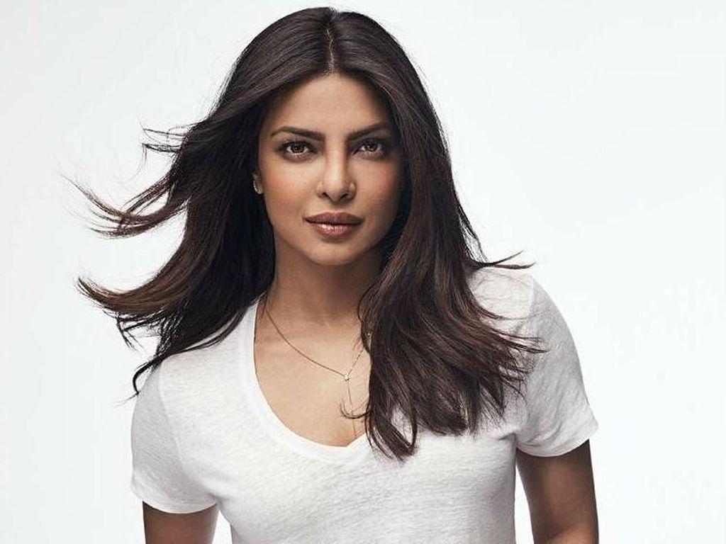 Priyanka Chopra Dianugerahi Global Icon Extraordinary Award