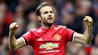 Juan mata ada di nomor 4. Sebenarnya jumlah golnya sama dengan Fabregas, yakni 50 gol akan tetapi dirinya kini masih aktif bermain di Manchester United (Clive Brunskill/Getty Images)