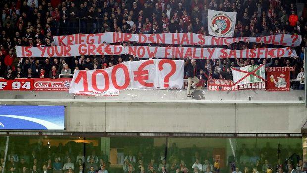 Lemparan Uang Palsu Fans Bayern di Markas Anderlecht