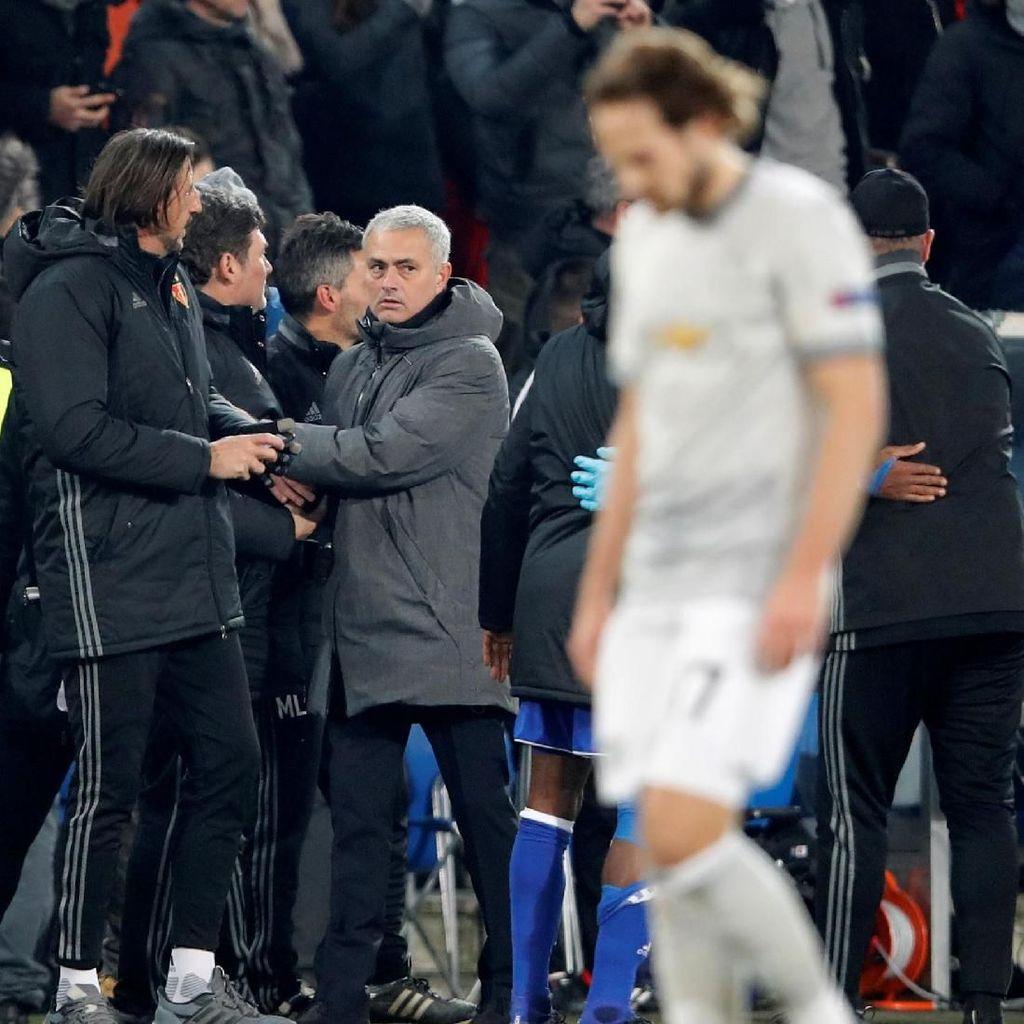 MU Kalah di Basel, Mourinho Tolak Salahkan Blind