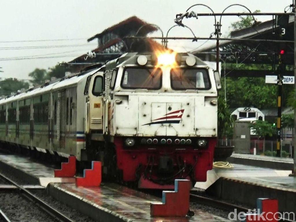 Jalur Tertutup Longsor, KA di Stasiun Kutoarjo Terlambat 10 Jam