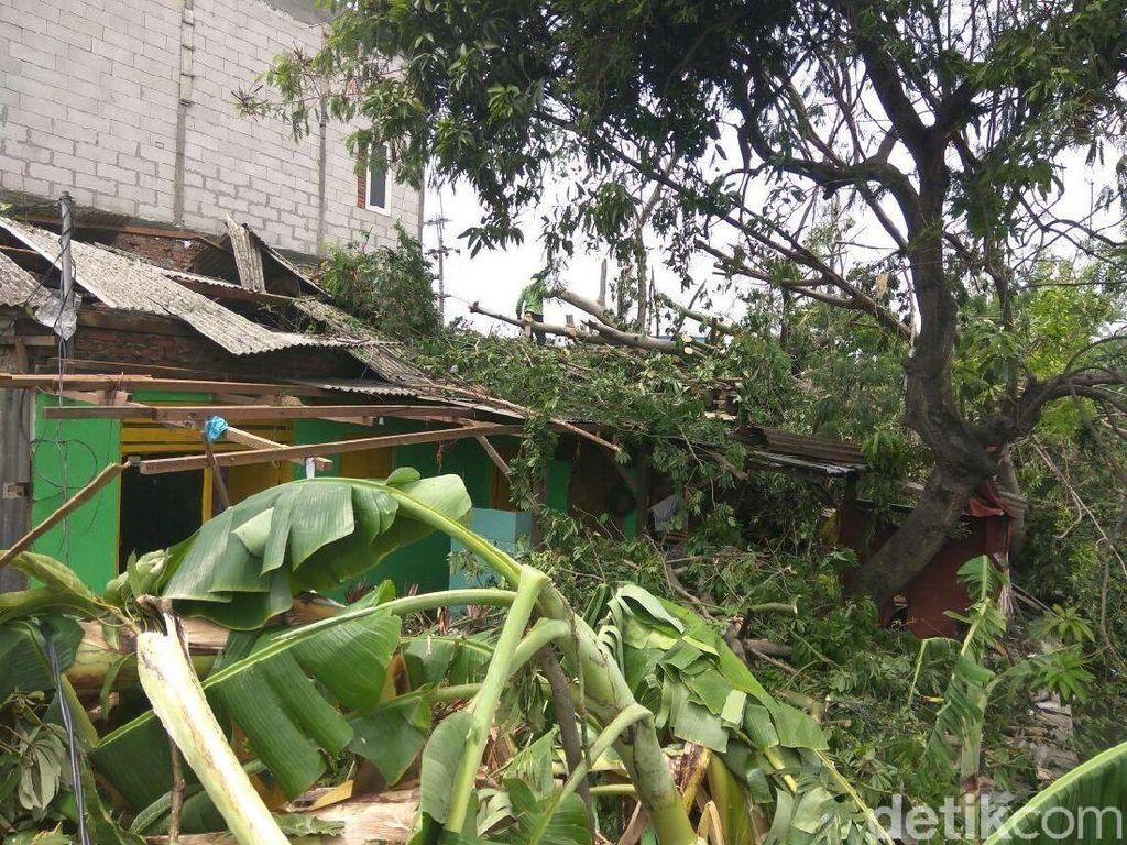 754 Rumah di Sidoarjo Diterjang Puting Beliung, Ini Bantuan Pemkab