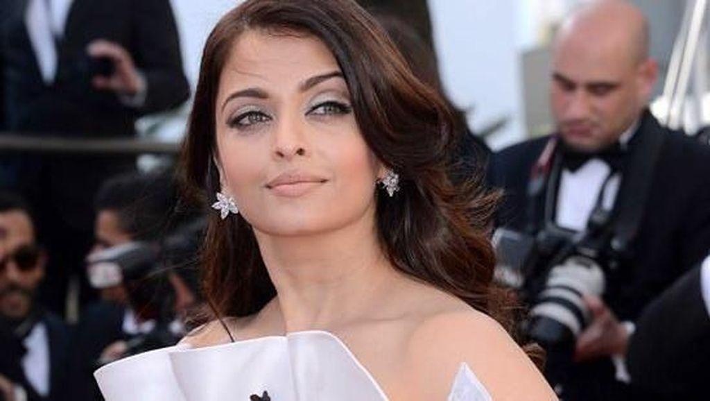 Foto: 7 Artis Cantik Bollywood yang Mendunia