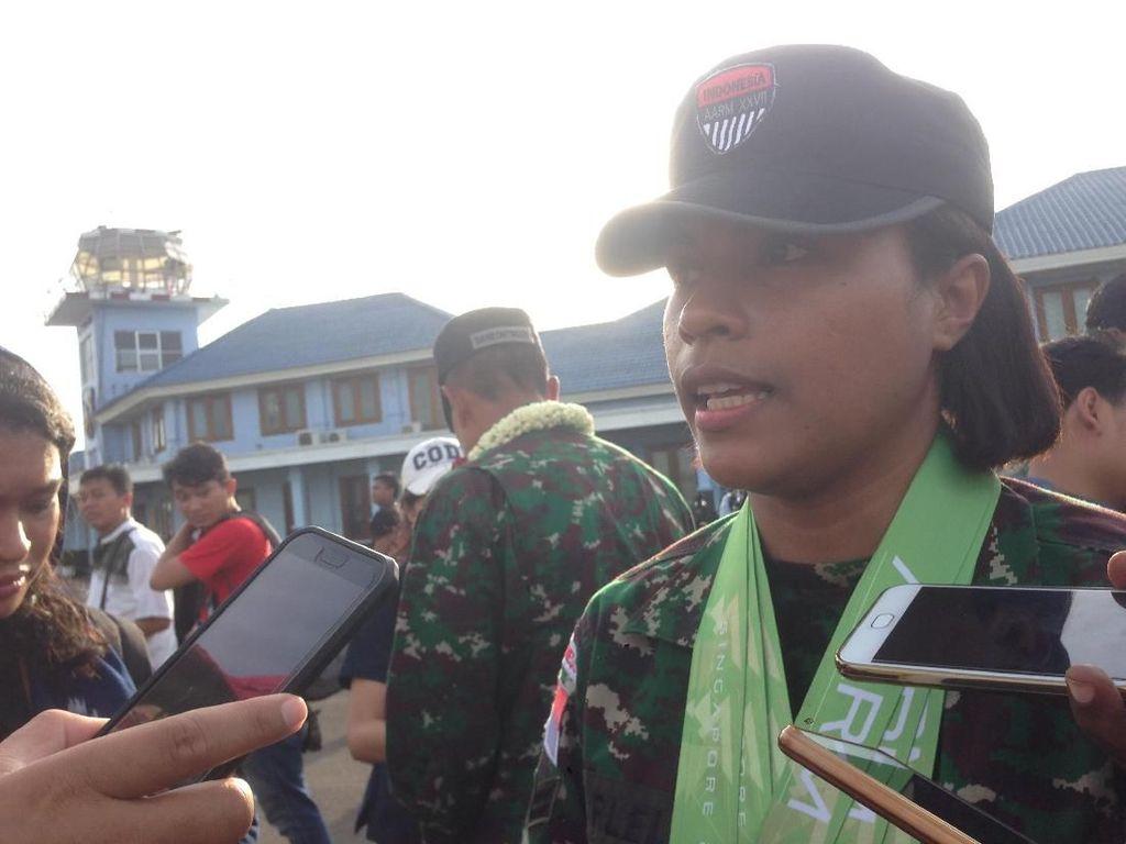 Ini Sertu Carlelis, Srikandi TNI AD Juara Lomba Tembak AARM 2017