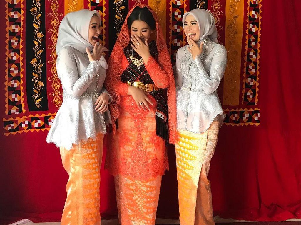 Sistergoals, Intip Keakraban Kahiyang Ayu dan 2 Kakak Bobby Nasution