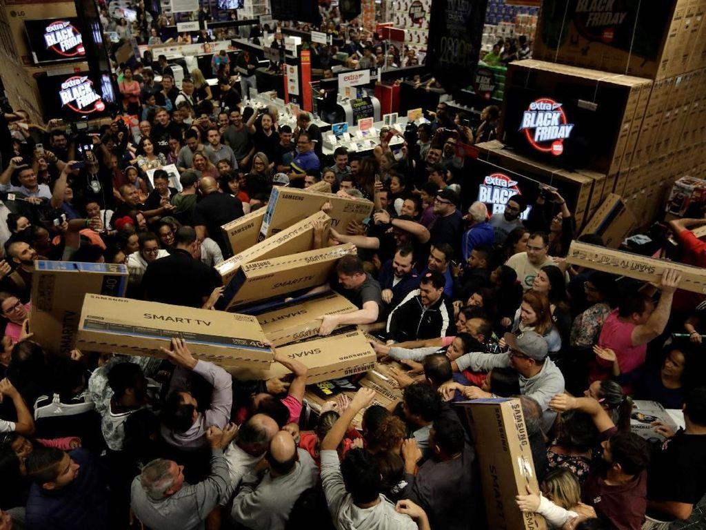 Benarkah Black Friday Hari Terbaik untuk Berbelanja di AS?
