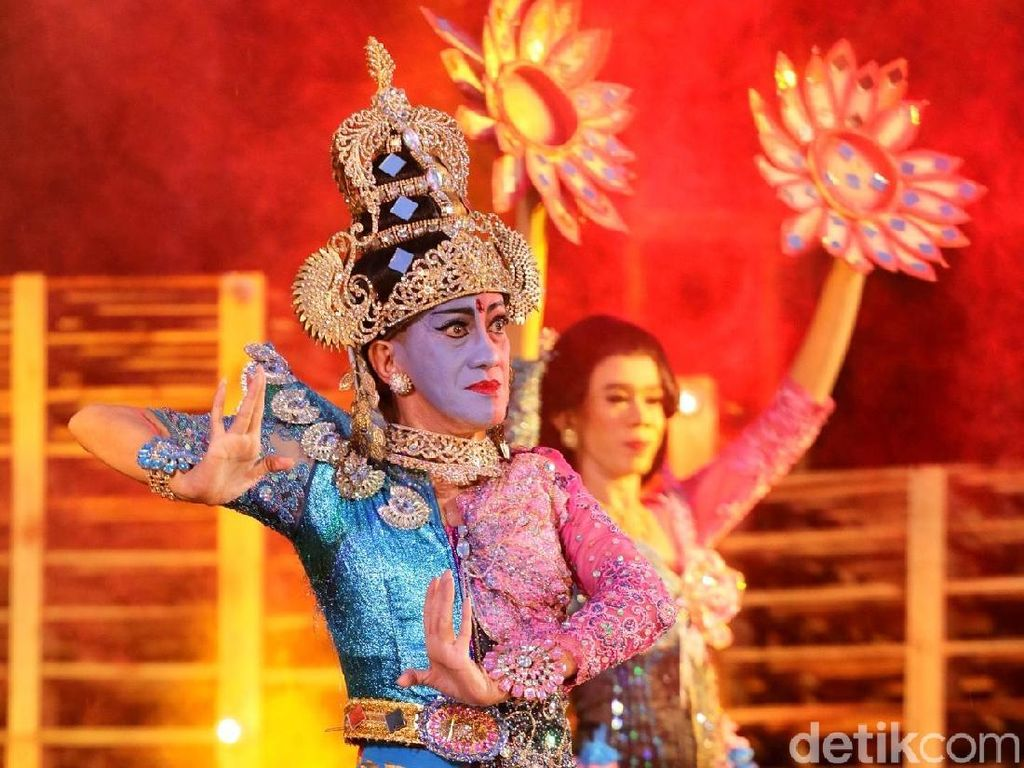 Tampil di Kulfest 2017, Didik Nini Thowok Pentaskan Tari Ardhanareshvara