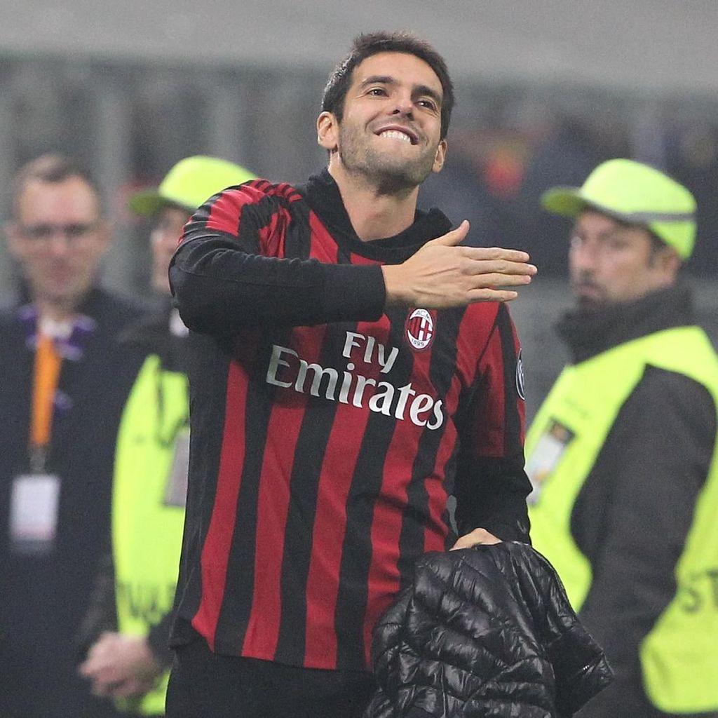 Bergabunglah dengan Milan, Kaka!