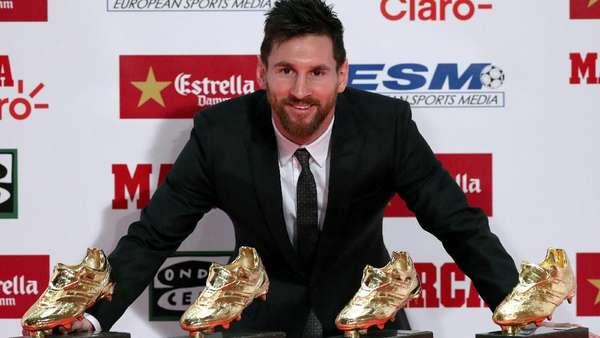 Messi Terima Sepatu Emas Eropa Keempat