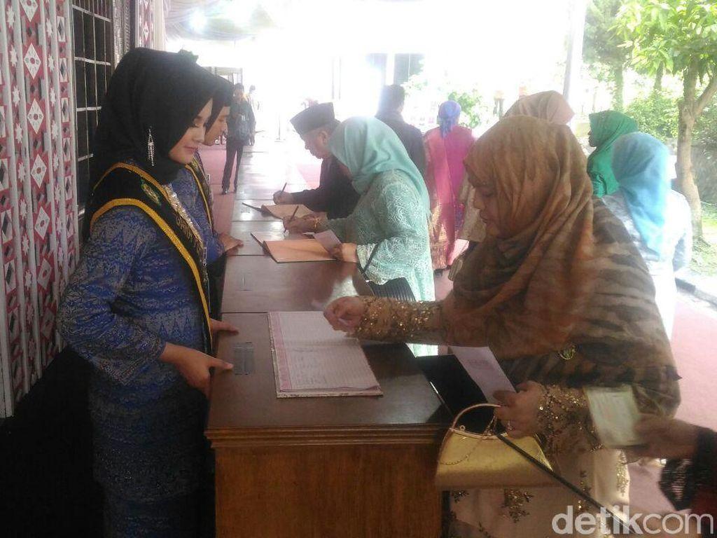 Tamu Mulai Berdatangan ke Mata Ni Horja Kahiyang-Bobby di Medan
