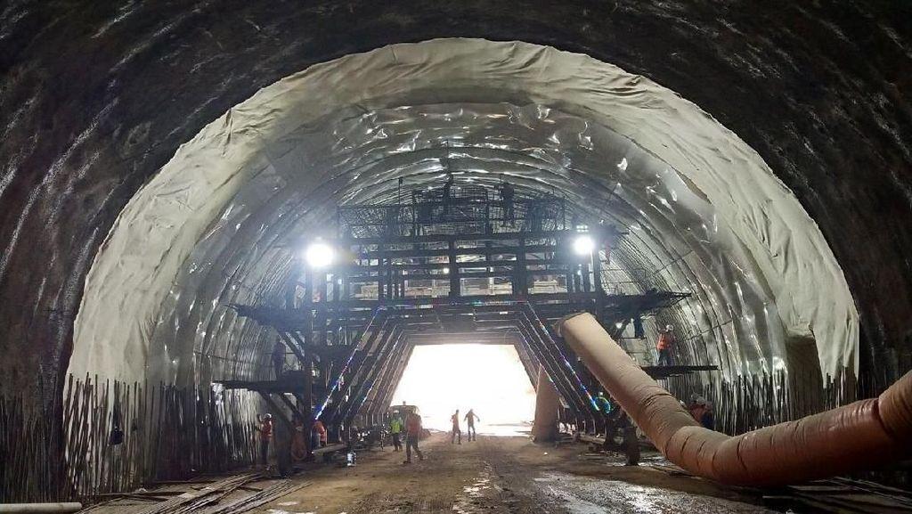 Wow, Ini Lho Terowongan Tol Cisumdawu yang Tembus Bukit