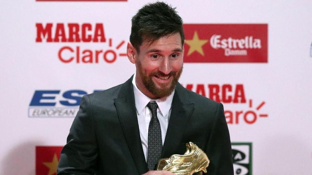 Senyum Semringah Messi di Antara 4 Sepatu Emas Eropa