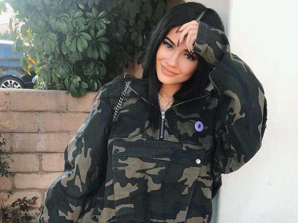 Terungkap, Alasan Kylie Jenner Tutupi Kehamilannya